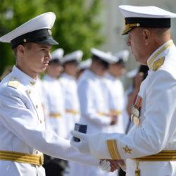 Торжественная церемония выпуска Севастопольского нахимовского военно-морского училища